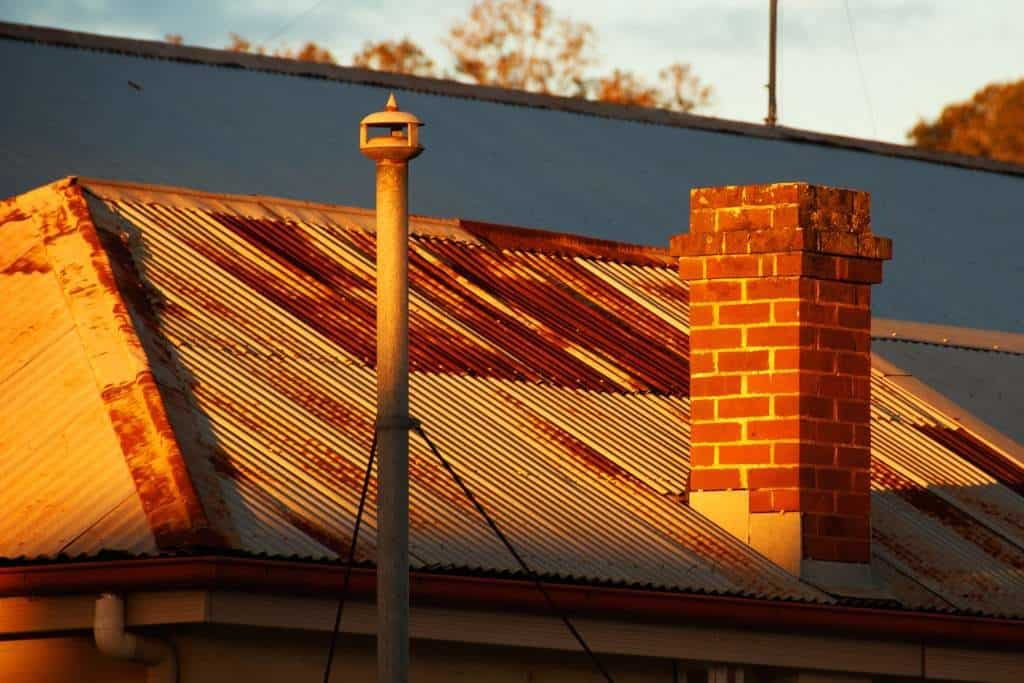 Tin Roof Rusted? - We Can Help! Pro Tips Here