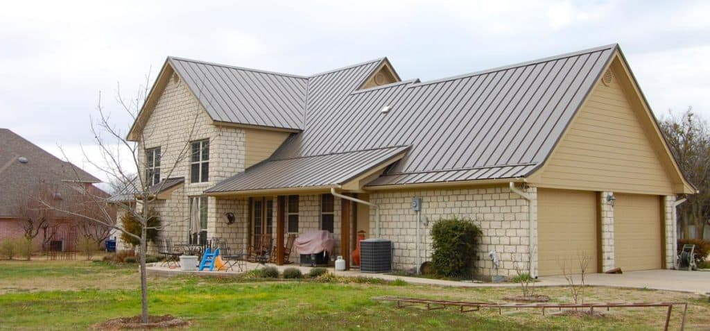 Metal Roof Installation Pros and Cons 1